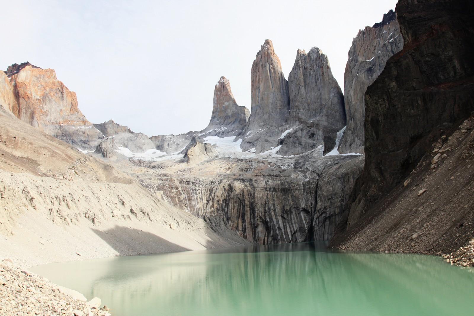 Les Torres del Paine depuis le Mirador et le Lago Torres